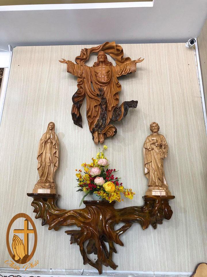 Bàn Thờ Công Giáo, Chúa phục sinh